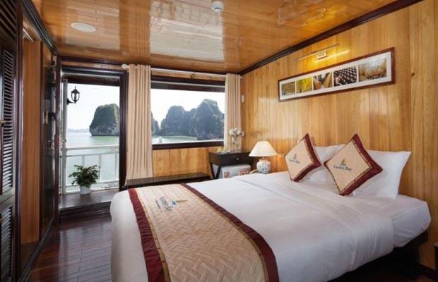 deluxe double garden bay cruise