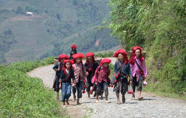 sapa ethnic village people
