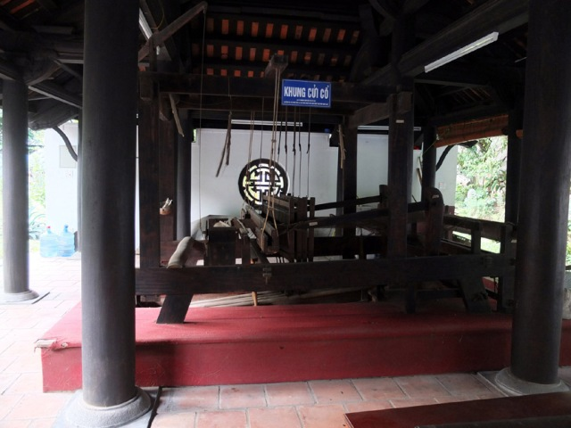 The_ancient_wooden_loom