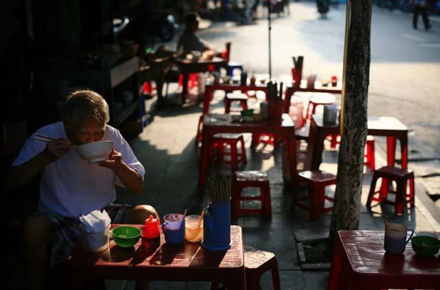 breakfast hanoi old quarter