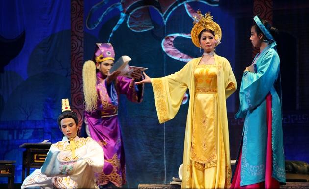 cai luong singing
