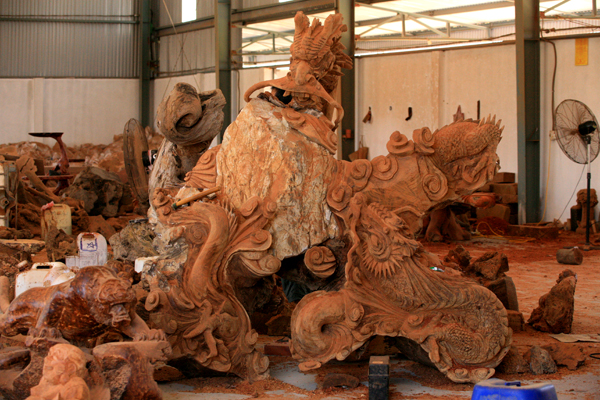 dong giao wood carving