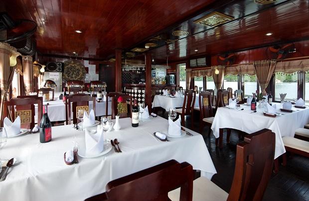 dragon cruise dining
