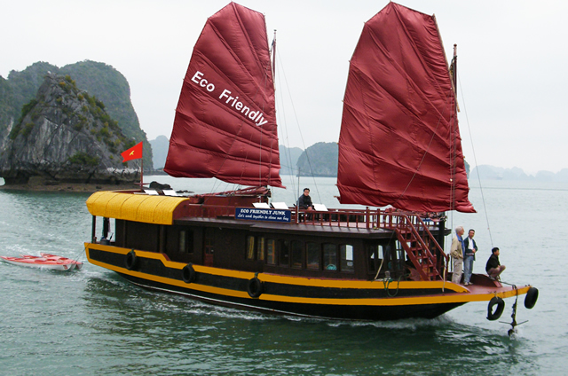 eco friendly cruise halong