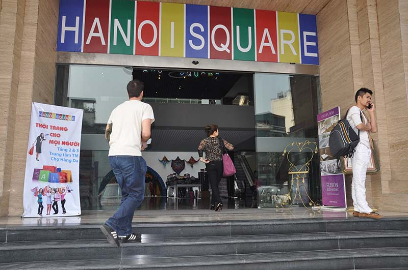 hanoi square - hang da market