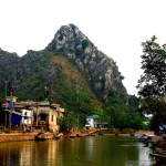 kenh ga floating village