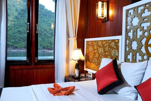 majestic cruise halong