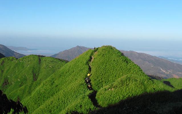 trekking to fansipan