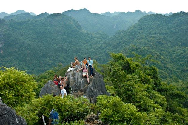 trekking cat ba national park