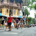 walking tour hanoi